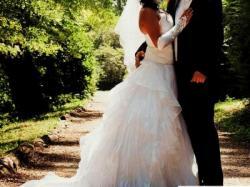 Sprzedam Suknie Ślubną +gratis welon i rękawiczki =)
