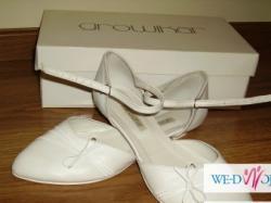 sprzedam suknie ślubną i buty na płaskim obcasie
