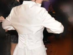 Sprzedam suknie slubna kolor bialy rozm.40 gratis welon i bolerko cena 1200 zł