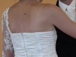 sprzedam suknie ślubna kremową