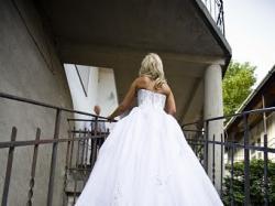 sprzedam suknie ślubną Lisa Ferrera