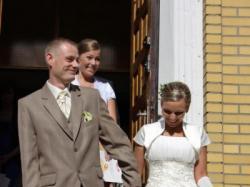 sprzedam suknie ślubna plus dodatki