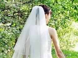 Sprzedam suknię ślubną prosto z Londynu - projektu Dawida Emanuela      la