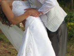 sprzedam suknię ślubną rozmiar 36 z bolerkiem i dodatki: welon, buty, kamizelkę