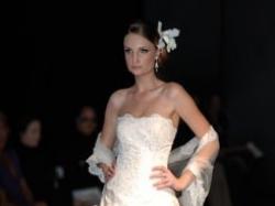 sprzedam suknie slubna, slawnego projektanta Iana Stuarta