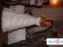 Sprzedam suknię ślubną szytą specjalnie na mój ślub