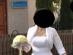 Sprzedam suknię ślubną ( w cenie bolerko i etola)
