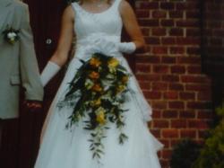 Sprzedam suknię ślubną w kolorze e-cru rozm 40