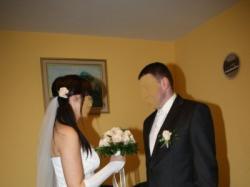 sprzedam suknię ślubną w kolorze ecru dwu- częściową