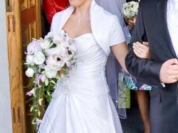 Sprzedam suknię ślubną (w komplecie halka z kołem, bolerko i welon)
