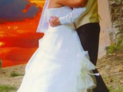 sprzedam suknię ślubną + welon-Tanio
