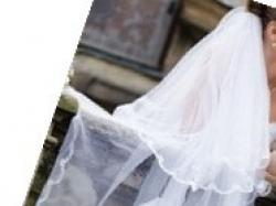 Sprzedam suknię ślubną z długim welonem z kolekcji Evy Sass