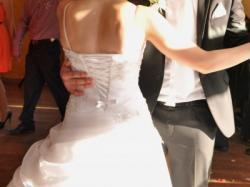 Sprzedam suknie ślubną z dodatkami