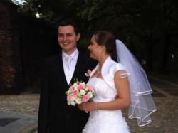 Sprzedam suknię ślubną z kolekcji 2011; halka gratis; 1350 zł