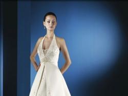 sprzedam suknię ślubną z kolekcji Lugonovias 2008