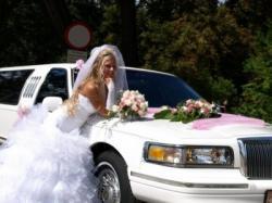 Sprzedam suknię ślubną z salonu Anny Mielcarek-Skrzeszowskiej.