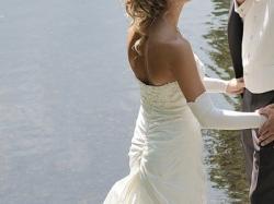 Sprzedam suknię ślubną z salonu Najna model Vanilla Sposa 2009r.