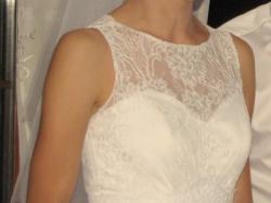 sprzedam suknię ślubną + żakiet + ozdoby do włosów
