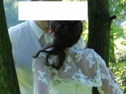 Sprzedam suknię z tafty jedwabnej z elementami koronki