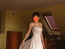 sprzedam szampańską suknie ślubną