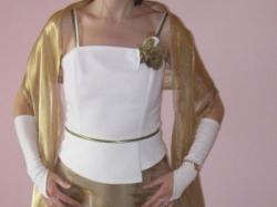 sprzedam tanio piękną biało-złotą suknię ślubną