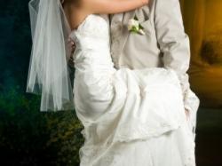 sprzedam tanio przepiękną suknię ślubną z salonu Susan Labo