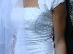 Sprzedam tanio śnieżnobiałą suknię ślubną