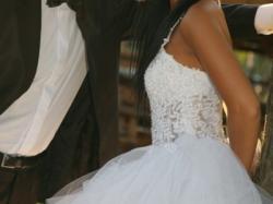 Sprzedam tiulową suknię ślubną