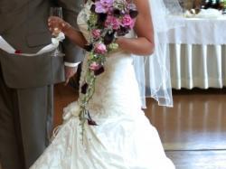 Sprzedan piękna suknie ślubną