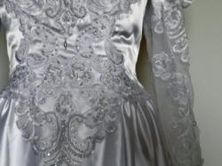 Strojna suknia z trenem rozm. ok. 40 z USA