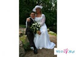 Subtelna i elegancka suknia ślubna - duży rozmiar(48-50)