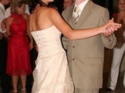 Sukienka, która może zastąpić suknie ślubną.
