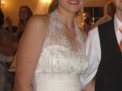 sukienka slubna koronkowa ręcznie wyszywana z dżetami + tręd