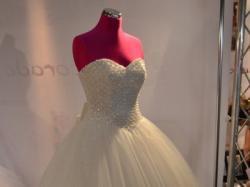 Sukienka ślubna śmietankowa Księżniczka Gorset Perły I Kryształki