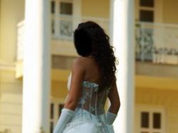 Suknia FARAGE 2061 w kolor ecru, rozmiar 36/38, wzrost 160-165 cm