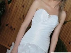 """Suknia """"FRIDA"""" z kolekcji Emmi Mariage 2010"""