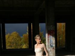 suknia + gratisy dopełniające całość