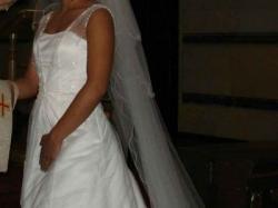 Suknia Isabel de Mestre+2 welony+kamizelka i musznik dla Pana Młodego