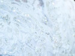 Suknia Madonna z hiszpańskiej koronki + kryształy Swarovskiego