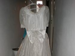 Suknia ślubna .