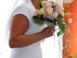 Suknia ślubna 42-46 biała litera A