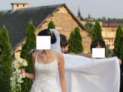 Suknia ślubna,