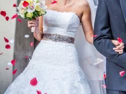 Suknia ślubna atelier diagnolal pronovias