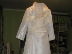 Suknia ślubna bardzo efektowna z portugalską koronką
