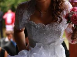 Suknia ślubna, biała, falbany, r. 40, na duży biust