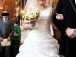 Suknia ślubna (biała, rozmiar 38/40, model z 2010 roku)