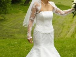 Suknia ślubna cała z  francuskiej koronki!!!