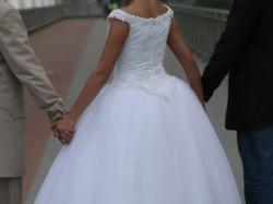 Suknia ślubna DEMETRIOS kod 9597 z trenem - biała