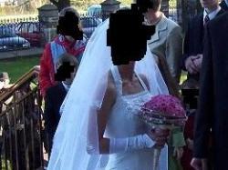 Suknia ślubna dla filigranowej panny młodej