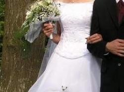 Suknia ślubna dla wysokiej Panny Młodej